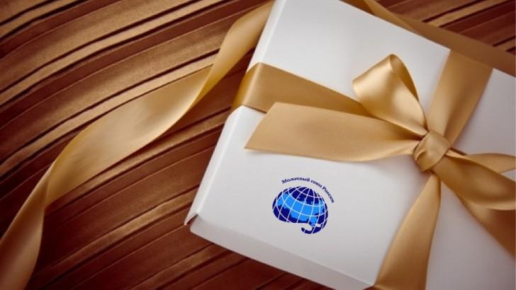 Члену Совета Молочного союза России Алексею Аксененкову поздравление с Днем рождения!