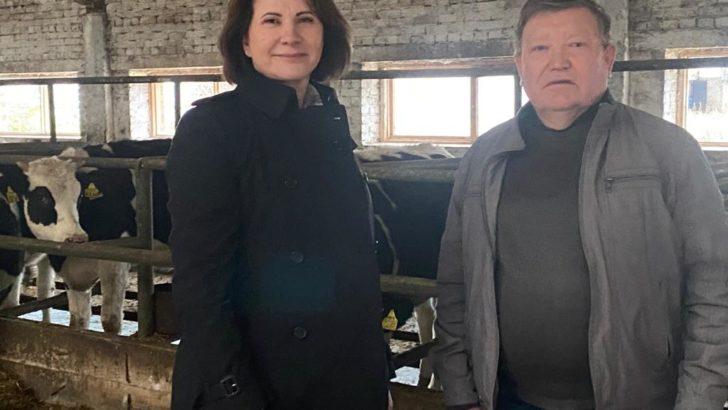 Людмила Маницкая приняла участие в заседании СД учхоза Июльское и посетила предприятие